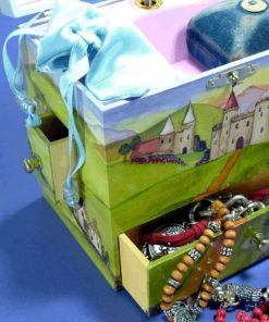 Enchantmints  Prince and Princess Music Box